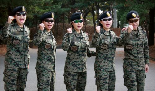 천리행군 완주한 특전사 여군들
