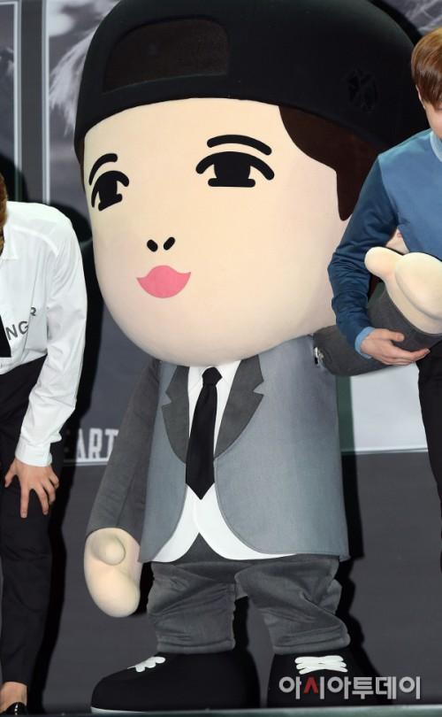 exo lay玩偶替身浓眉大眼樱桃红嘴.可爱度爆表吸睛