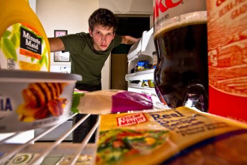 [비밀레서피] 살림 잘하는 사람들의 냉장고 활용법은?…청소부터 시작하자!