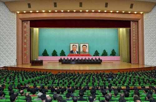 북 김일성·김정일 '업적' 중앙연구토론회 열어