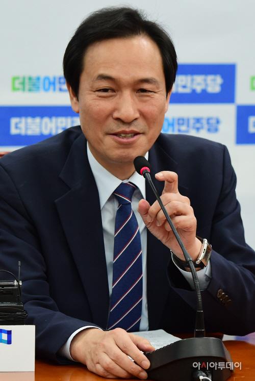 우상호 더민주 원내대표, 취임 2개월 기자간담회