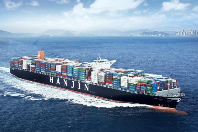 유럽 항로 운항중인 13,100teu급 컨테이너선