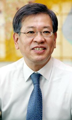 [사진1] 한국도자기 김영신 사장