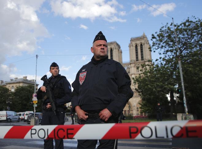 France Notre Dame <YONHAP NO-0431> (AP)