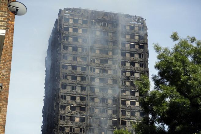 Britain London Fire <YONHAP NO-0218> (AP)