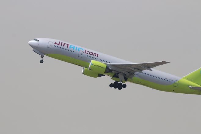 진에어 항공기(B777-200ER) (6)