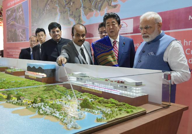INDIA-JAPAN-DIPLOMACY-TRANSPORT <YONHAP NO-4111> (AFP)