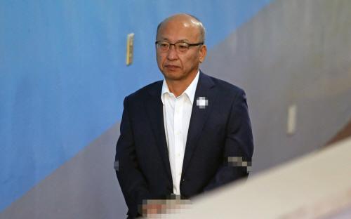 2심 선고 출석하는 문형표 전 장관