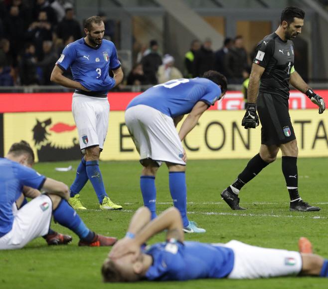이탈리아, 월드컵 본선 진출 실패 <YONHAP NO-1373 번역> (AP)
