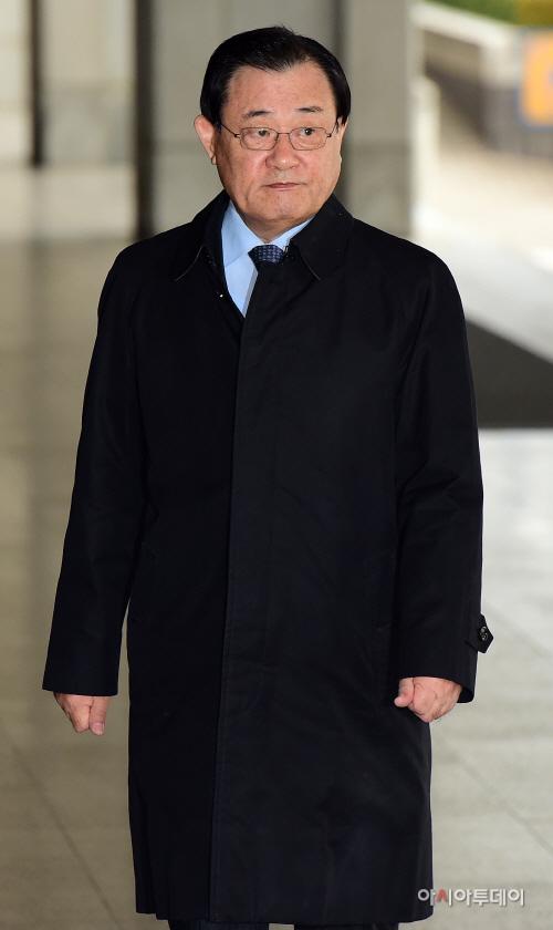 이병기 전 국정원장 검찰 소환