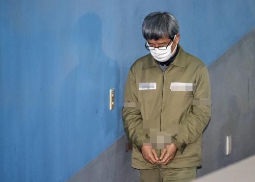 1심 선고 공판 출석하는 남상태 전 사장