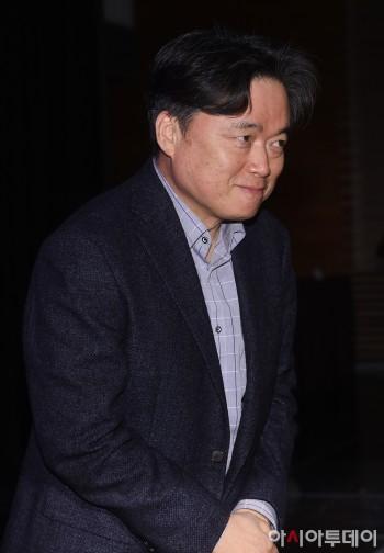 [포토] 인사하는 최승호 MBC 사장