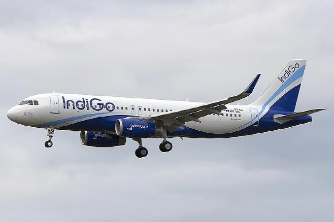 Airbus_A320-232,_IndiGo_Airlines_JP7701002