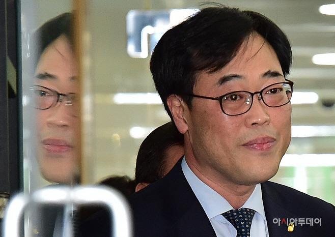 [포토] '사퇴 압박' 김기식 운명은?