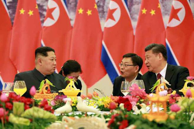 김정은 중국 방문…시진핑 주석, 인민대회당서 연회 개최