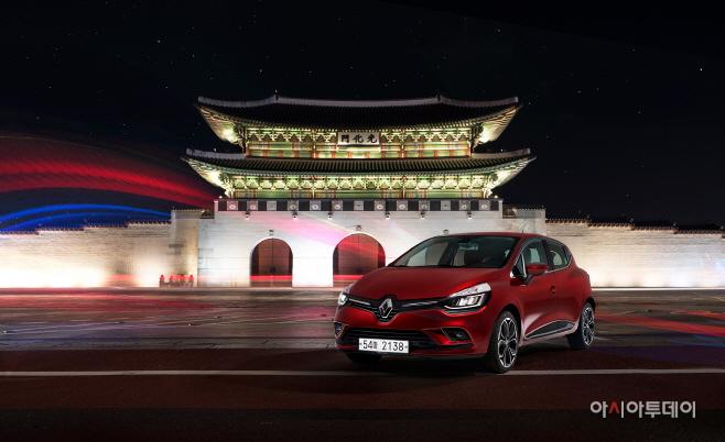 Renault_CLIO_01