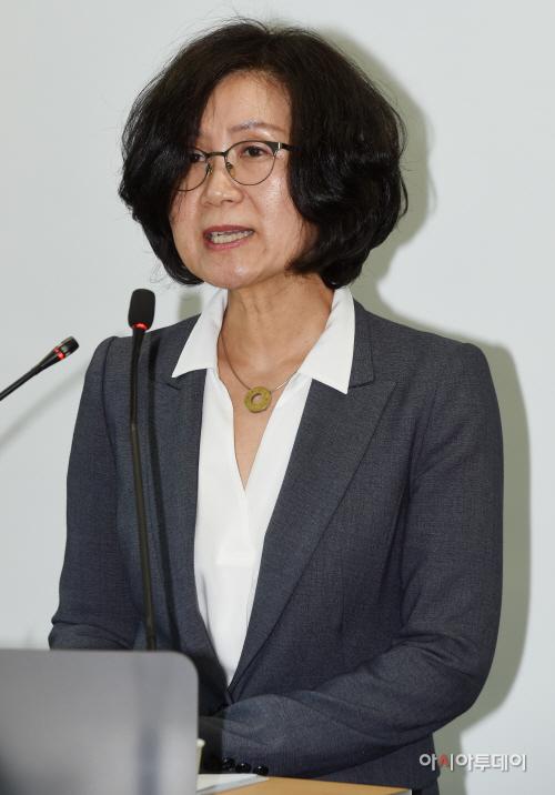 [포토] 발언하는 권인숙 위원장