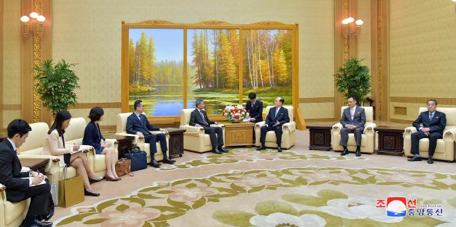 북한 김영남, 싱가포르 외교장관 면담