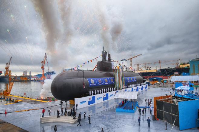 첫 3000t급 잠수함 '도산 안창호 함' 진수식<YONHAP NO-3920>