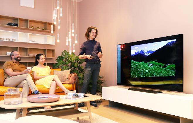 [사진1]LG올레드TV+보컨셉