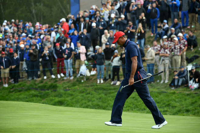 GOLF-FRA-RYDER-CUP-DAY THREE <YONHAP NO-1663> (AFP)