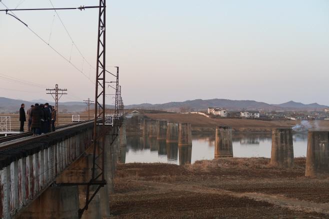 경의선 남북 공동조사단, 룡진강 교량 점검