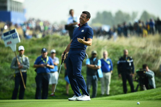 GOLF-FRA-RYDER-CUP-DAY ONE <YONHAP NO-0454> (AFP)