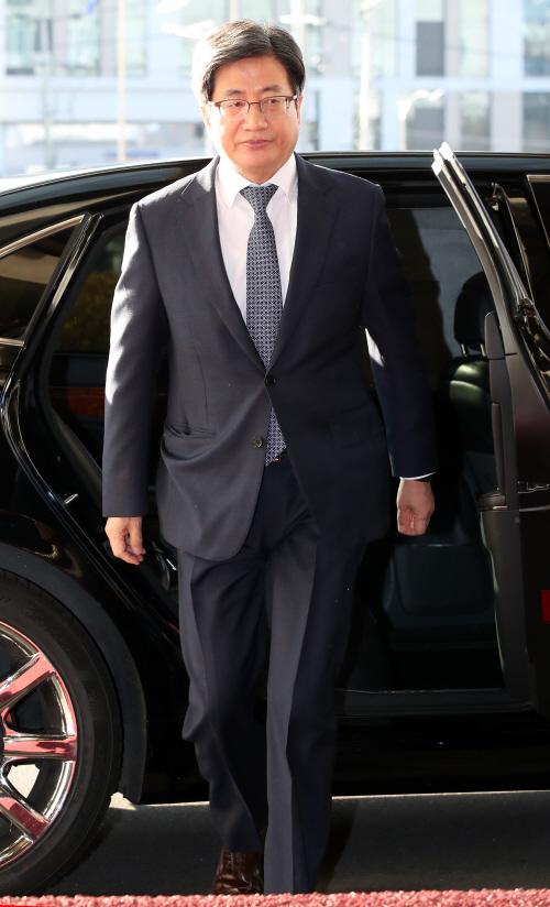 김명수 대법원장 출근