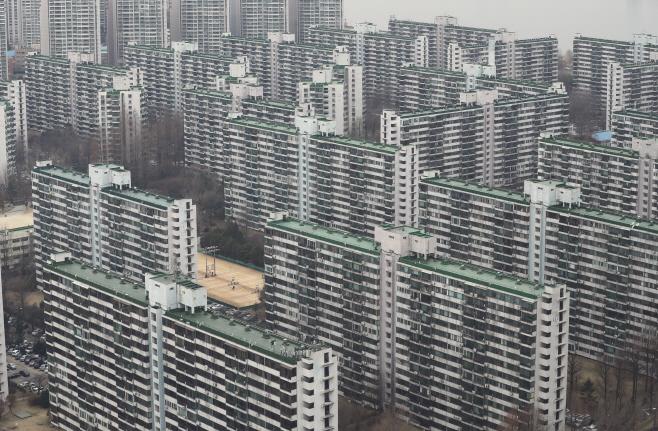 서울 재건축 아파트값 18주 연속 하락