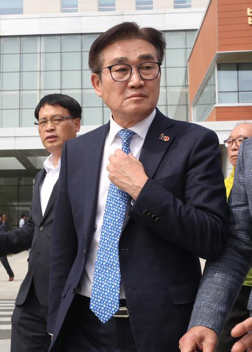 울산지법 빠져나오는 김일권 양산시장