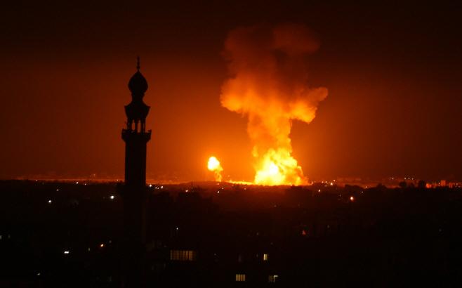 ISRAEL ATTACKS GAZA <YONHAP NO-1427> (UPI)