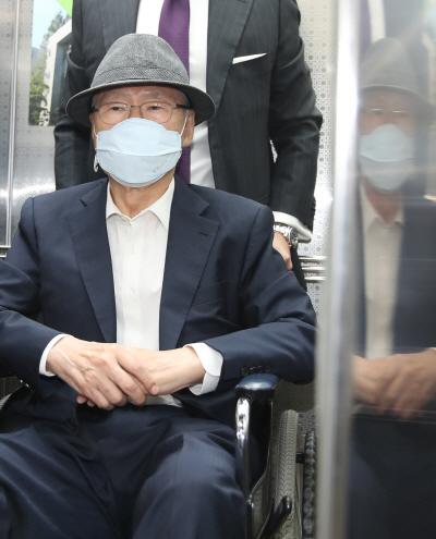 법정 향하는 김백준