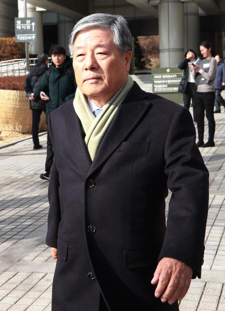 1심 무죄 선고받은 김성호 전 국정원장