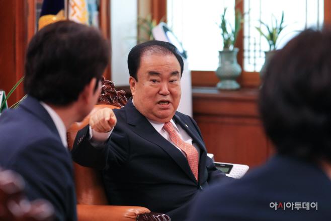 국회의장, 여야 3당 교섭단체 원내대표 회동