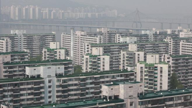 강남의 아파트 단지, 연합