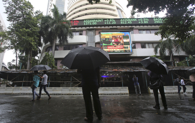 India Economy <YONHAP NO-3639> (AP)