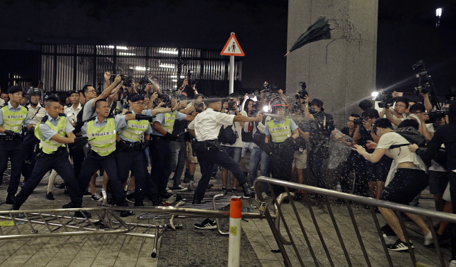Hong Kong Protests <YONHAP NO-3535> (AP)