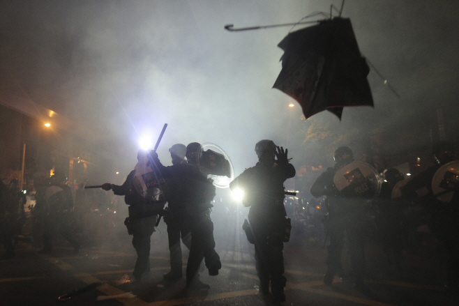 APTOPIX Hong Kong Protests <YONHAP NO-1089> (AP)