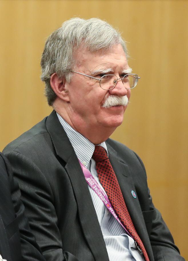 미소짓는 존 볼턴 미 국가안보보좌관