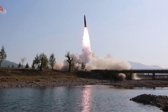 북한이 공개한 '단거리 미사일' 발사 장면<YONHAP NO-3136>