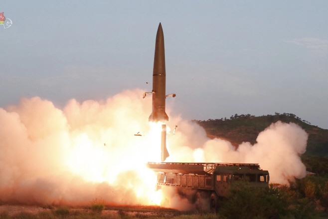 북한, 미상 발사체 수발 발사