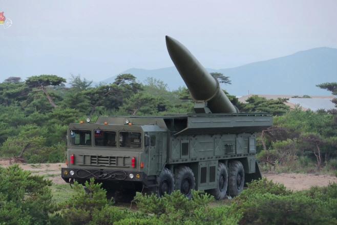 북한TV, 단거리 탄도미사일 발사 장면 공개