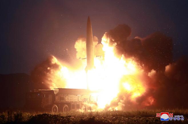 북한, 신형전술유도탄 발사<YONHAP NO-1056>