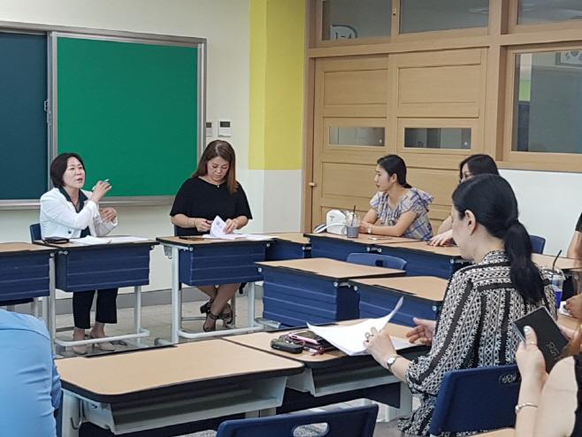 서현옥 용이중학교 개학 연기에 따른 학부모 간담회 참석
