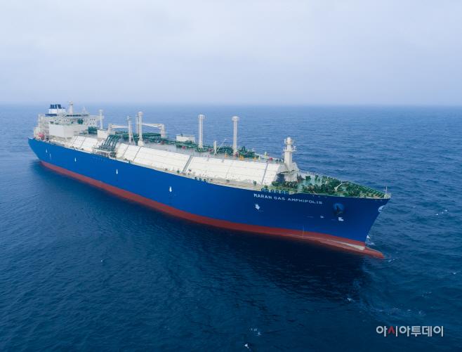 대우조선해양이 건조한 마란가스社 LNG운반선 항해 모습