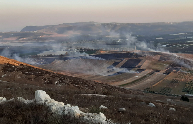 Lebanon Israel <YONHAP NO-0839> (AP)