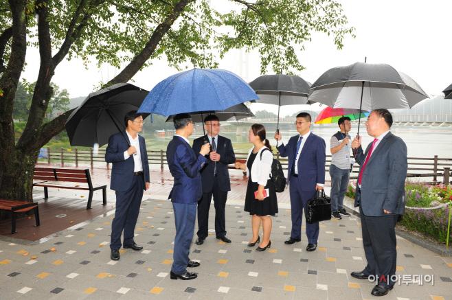 중국 지린성 농업대표단, 예산군 예당호 출렁다리 방문