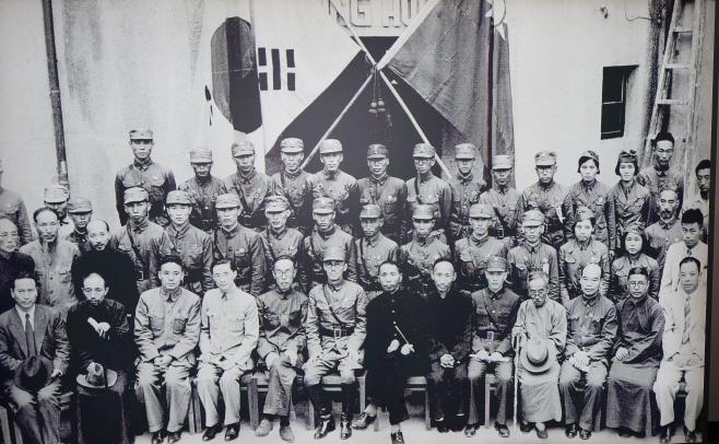 충칭 임시정부 청사 내부에 전시된 사진<YONHAP NO-3762>