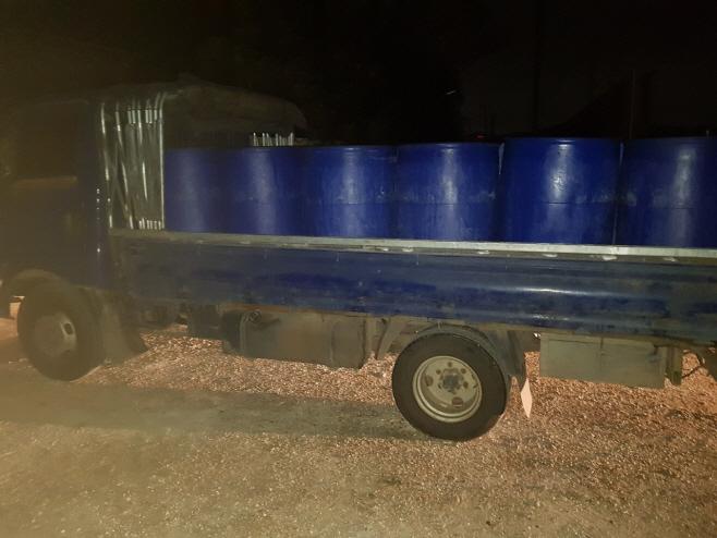 사진4-1. 17일 새벽4시경 적발된 음식물수집운반 반입차량 모습