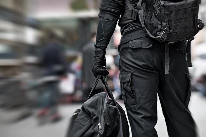 영국, 테러 경계 단계 '심각'에서 '중대'로